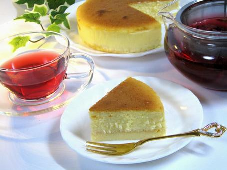 Cheese cake and herb tea