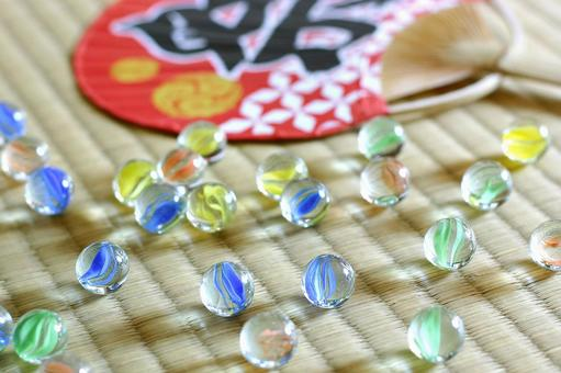 Marbles on tatami