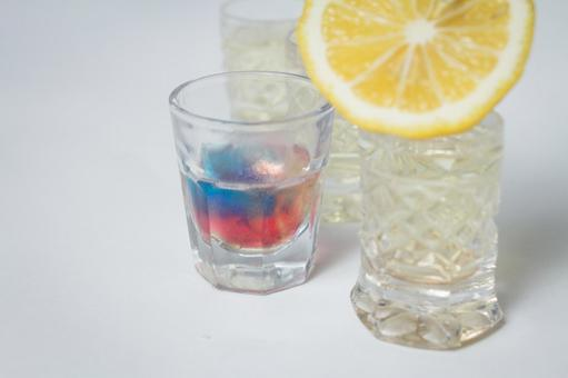 Party 3 with glass and lemon