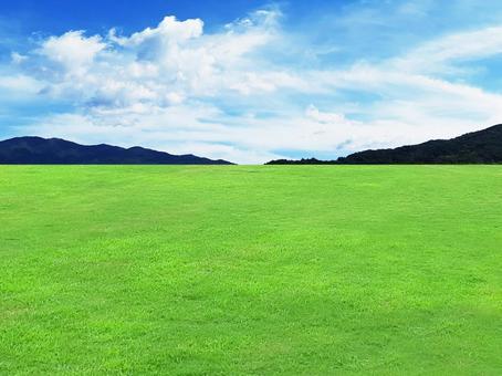 天空、山脈和草坪/天空/草地/人造草坪/天然/綠色/綠色/自然/材質紋理/壁紙/圖像