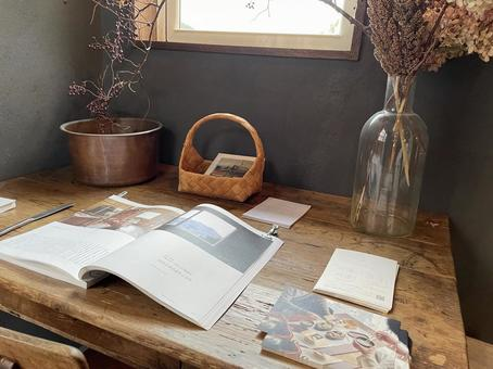 Fashionable desk