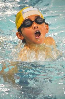 Elementary school swimming