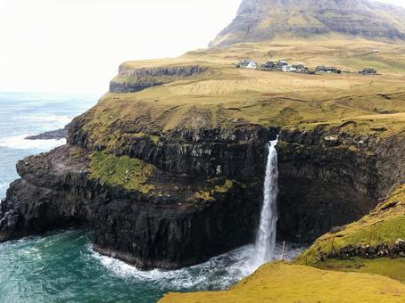 [法羅群島]北太平洋最大的瀑布 在加斯達盧村