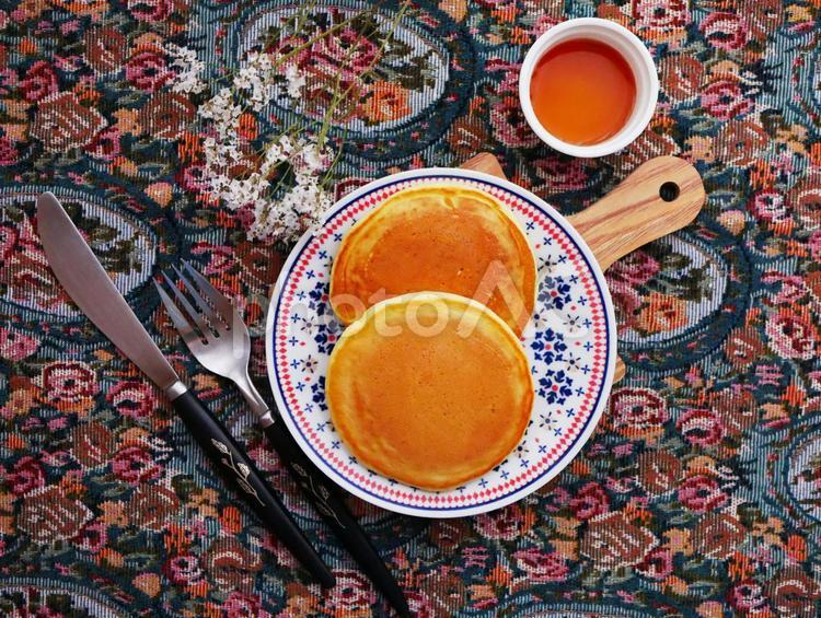パンケーキとくらし パンケーキとテーブルコーディネートの写真