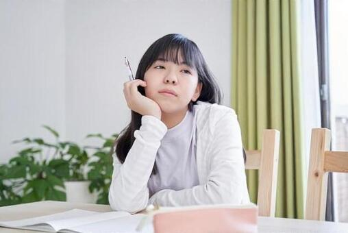 Japanese girls junior high school students who lose their motivation for homework in the living room