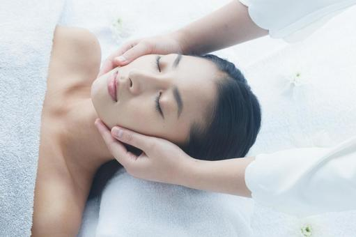 Women undergoing facial esthetics 12