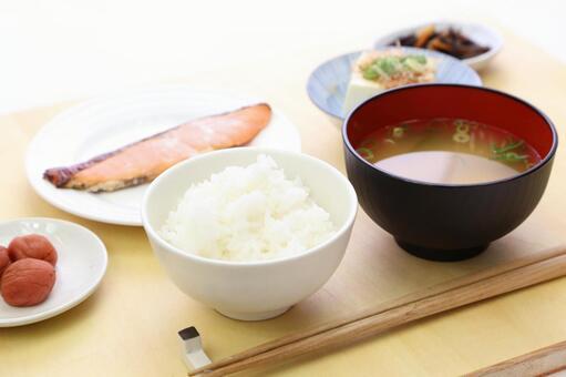 Simple Japanese set menu 11