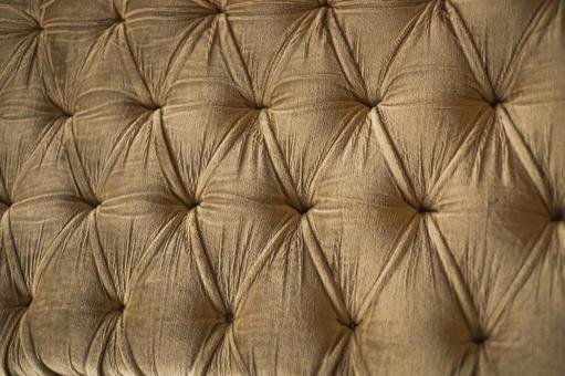 화려한 의자의 등받이 _ 골드