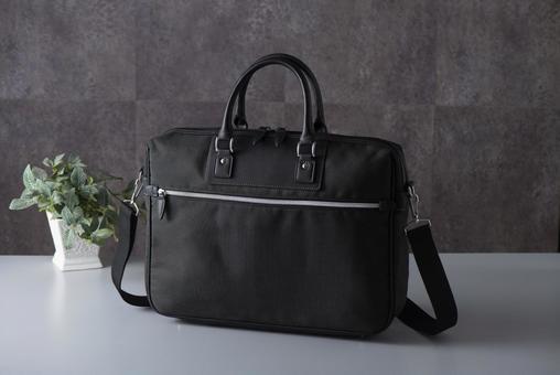 ビジネスバッグの写真素材|写真素材なら「写真AC」無料(フリー)ダウンロードOK