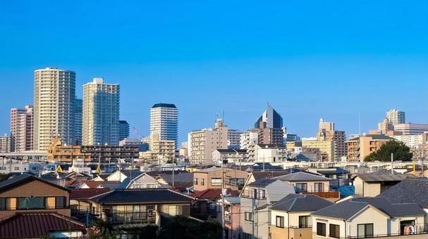 카와 구치시 아라카와 하천 부지에서의 거리 풍경