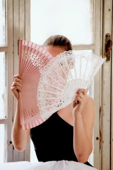 Women with folding fan 9