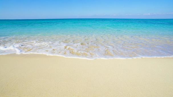 오키나와의 바다와 푸른 하늘 바다의 배경