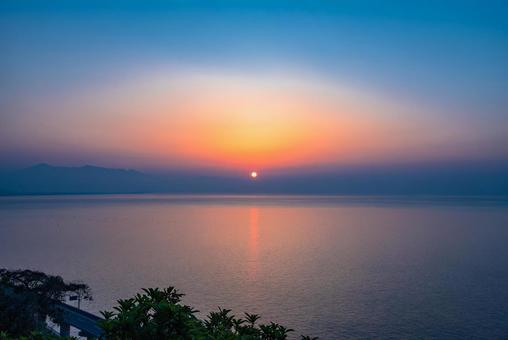 Sunrise from Satsuko Pass