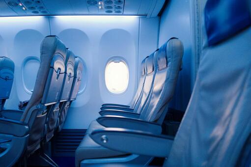 아침에 비행기로 여행