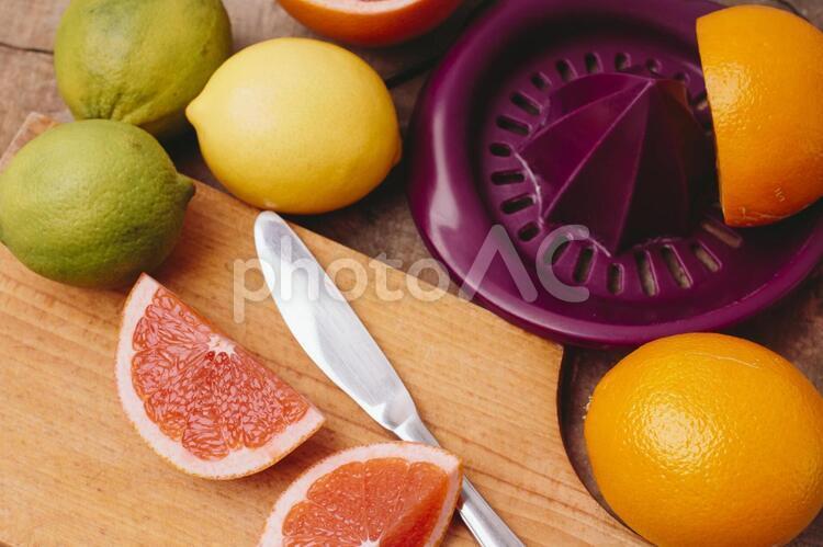 フルーツとナイフ3の写真