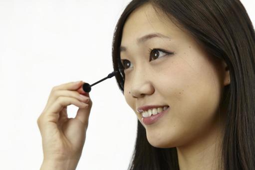 婦女粉刷睫毛膏16