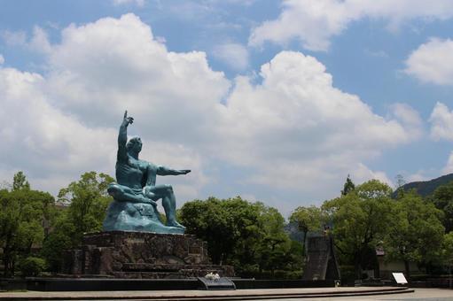 長崎縣長崎市和平紀念雕像004