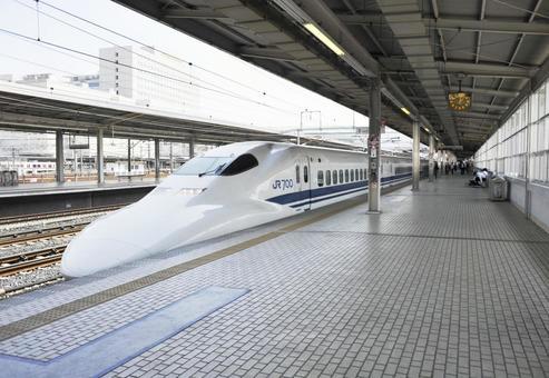 Shinkansen, series 700. Toyohashi Station