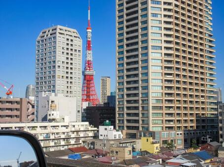 Tokyo Tower taken from a car
