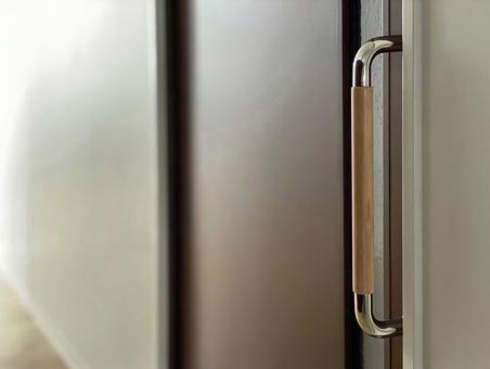 Sliding door handle