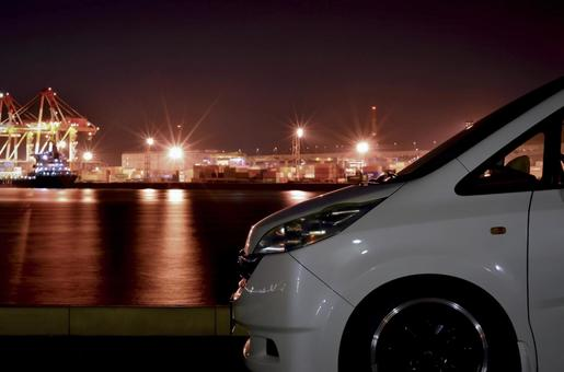 Minivan night view