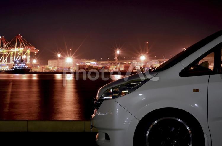 ミニバン夜景の写真