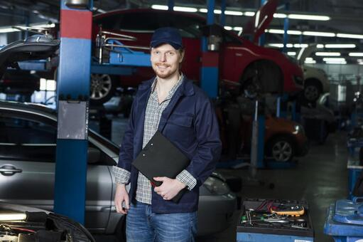 Automobile mechanic with clipboard 9