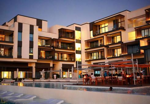 Overseas luxury hotels