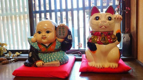Fukusuke and Maneki Neko figurine