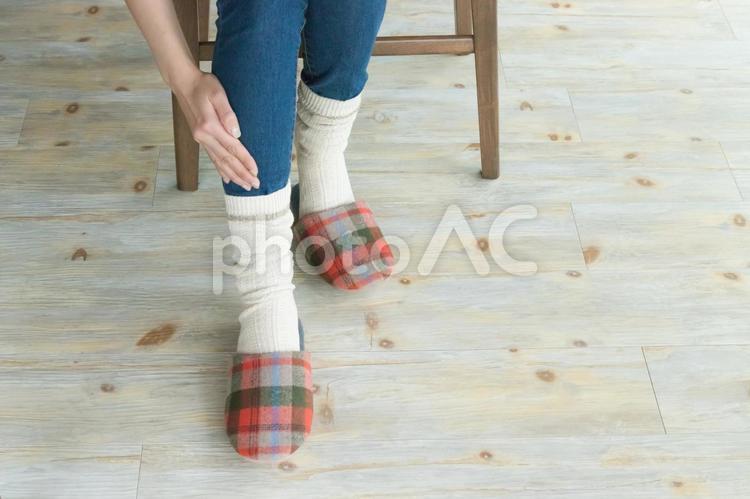 冷え性の女性の足の写真