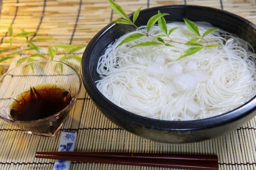 Image of soup noodles Somen