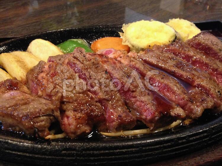 豪華なステーキ1の写真