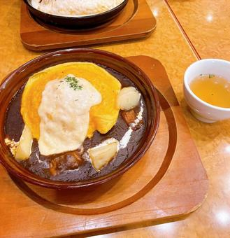 Demi-glace omelet rice