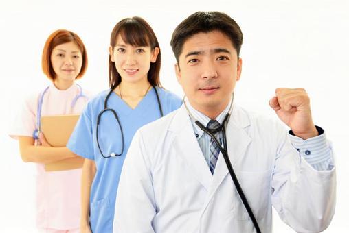 웃는 의사와 간호사