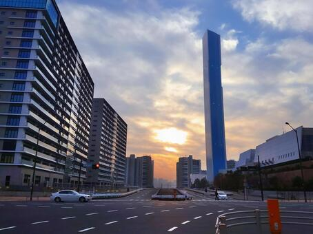 View the Tokyo 2020 Olympic Village PORT VILLAGE (3 blocks) and the Chuo Incineration Plant from the intersection in front of the Tsukishima Police Station