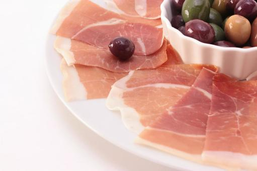 Raw ham and olive 9