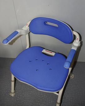 Long-term care assistant bath chair 1