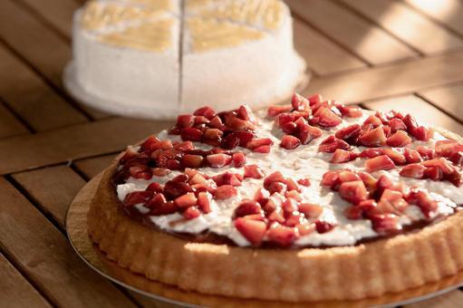Strawberry tart cake 2