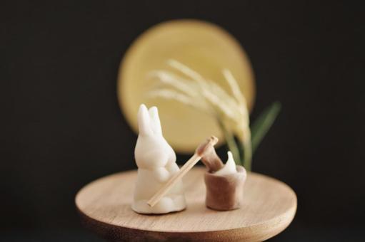 Rabbit miniature with rice cake