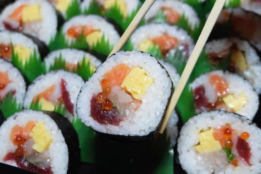 Thick sushi (seafood) 06