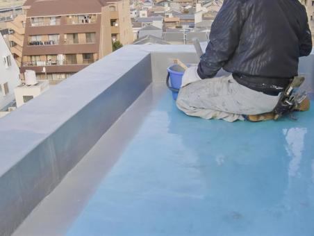 Craftsman during construction of urethane waterproof coating 1
