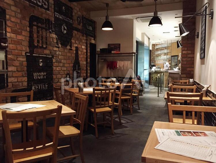隠れ家レストランの店内の写真