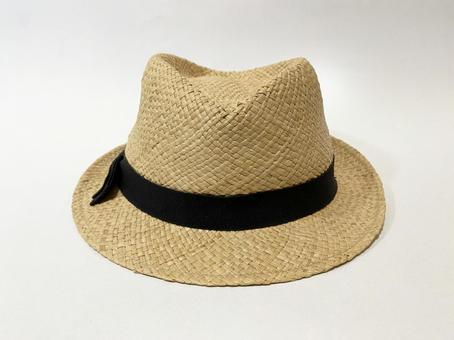Middle-breaking hat