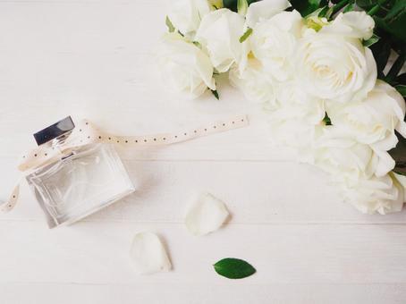 White roses and perfume