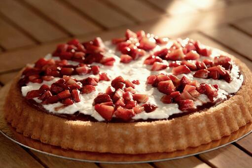Strawberry tart cake 1