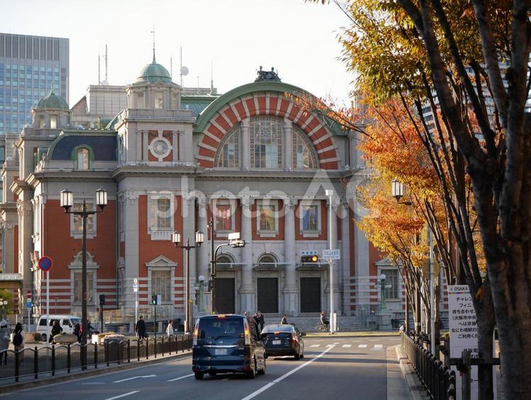 秋の大阪市中央公会堂の写真