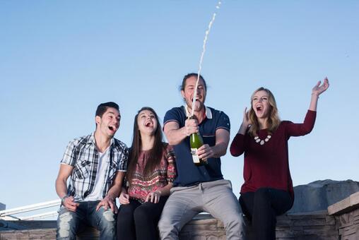 4跳过香槟瓶塞