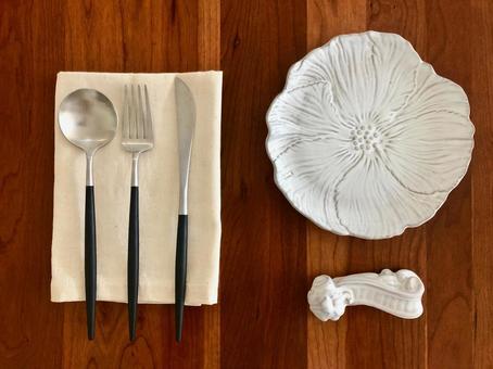 Retro and cute tableware