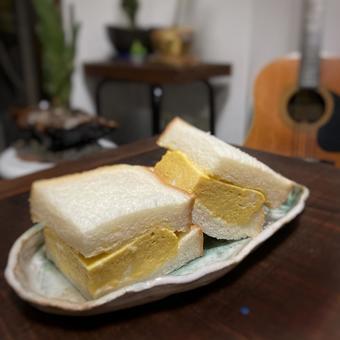 두께 구이 계란 샌드