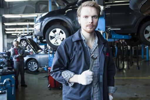Automobile mechanic with spanner 4